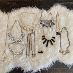 Costume jewelry lot. Necklace lot set Glam jewelry